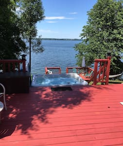 Waterfront cottage on The Bay of Quinte