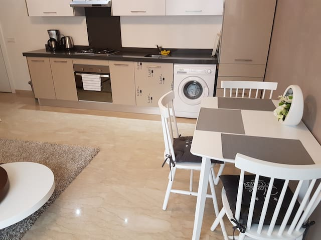 Gautier. Twin center New + terrasse - Casablanca - Apartment