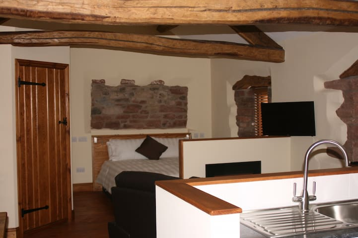 The Granary - a romantic studio just for 2