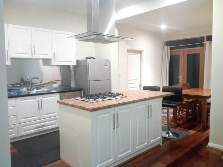Beautiful Spacious & Central Home *enhanced clean*