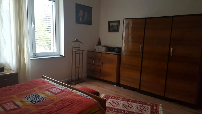 Central Apartment near Blloku 1 - Tirana - Huoneisto