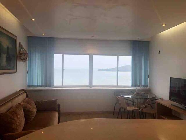 Ilha Porchat linda vista p mar, prático, charmoso
