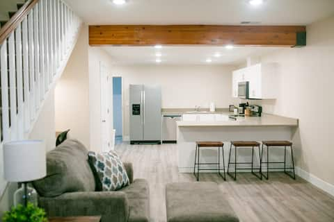 SuiteViews524•New•Modern•Comfortable•Downtown•Sleeps 6