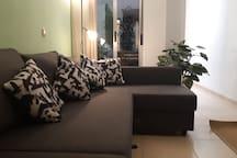 El apartamento se encuentra a 400 m de la playa de la Malagueta, y a 6 minutos caminando del ayuntamiento