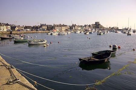 Charmante maison de pêcheur, port et plage à 2 mn - Barfleur