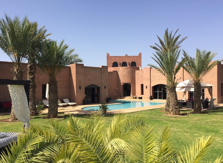 Rental Villa Marrakech for 10 persons.