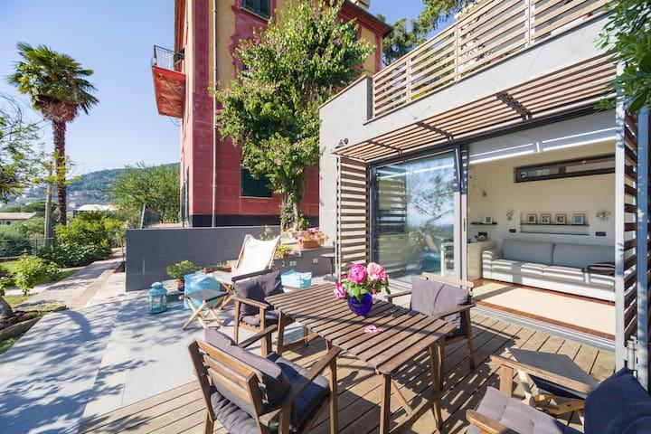 Camogli, loft immerso in giardino, splendida vista