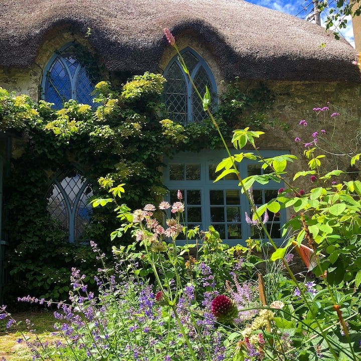 Room & Private Garden Studio in Rural Cottage