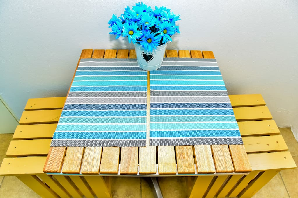 Eat and read On this cute Table  !