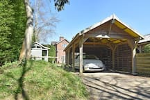 Carport for one car - drive available for two further cars