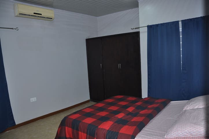 2 Bedroom|Parking|Value for money|6km to the Beach