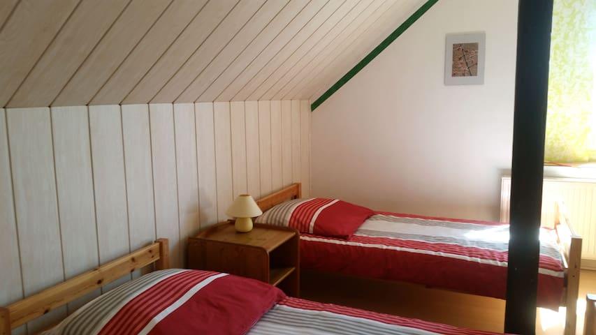 Zimmer mit Dorfblick 1