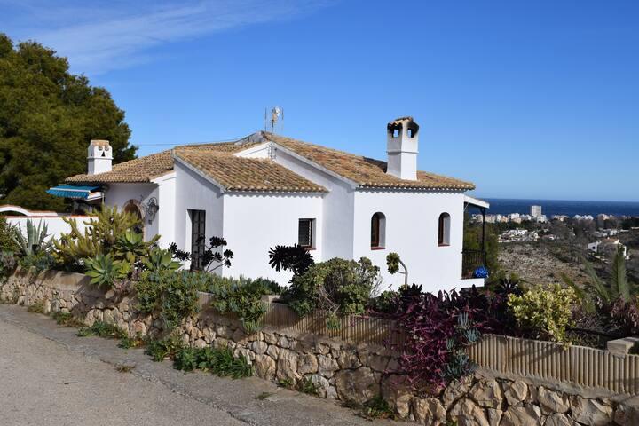 Javea garden apartment with sea views