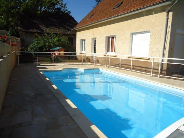 Belle maison de campagne idéale pour les vacances - Saint-Hilaire-Peyroux - Feriehus