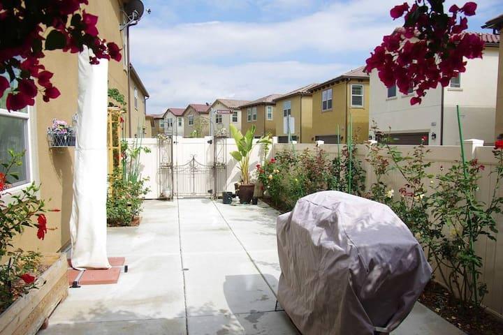 Best Location, perfect stay! - Santa Fe Springs - Condominio
