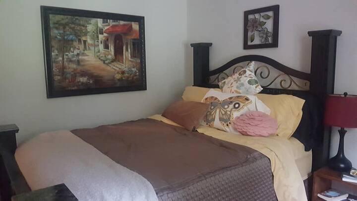 Deer Haven -- Claudia's Room