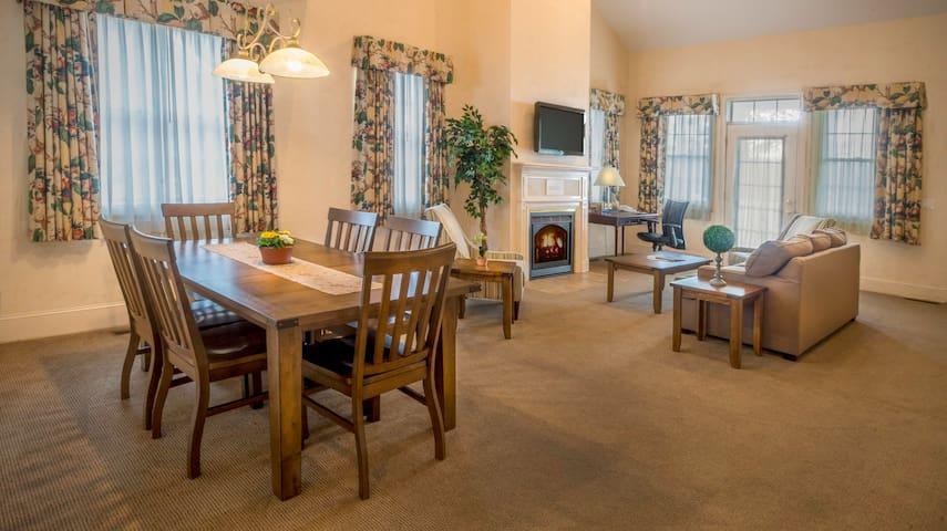 Chestnut Hill 4 Bedroom Lodge