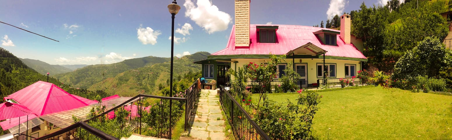 Himalayan Orchard Farm Stay - Kotkhai - บ้าน