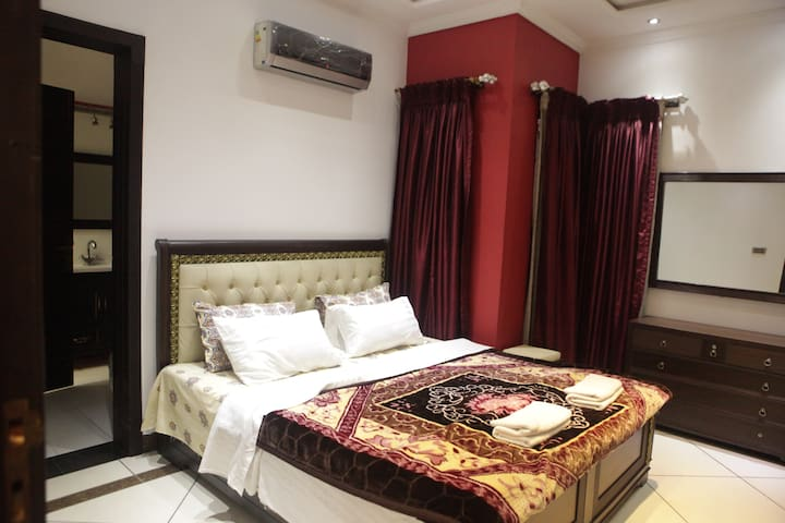 Secure 2Bed Suite Garden Town Gulberg Kalma Lahore