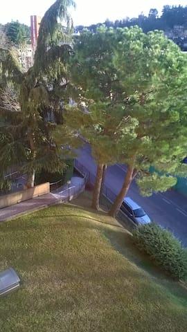 silenziosa stanza con bagno privato - Varese - Apartment