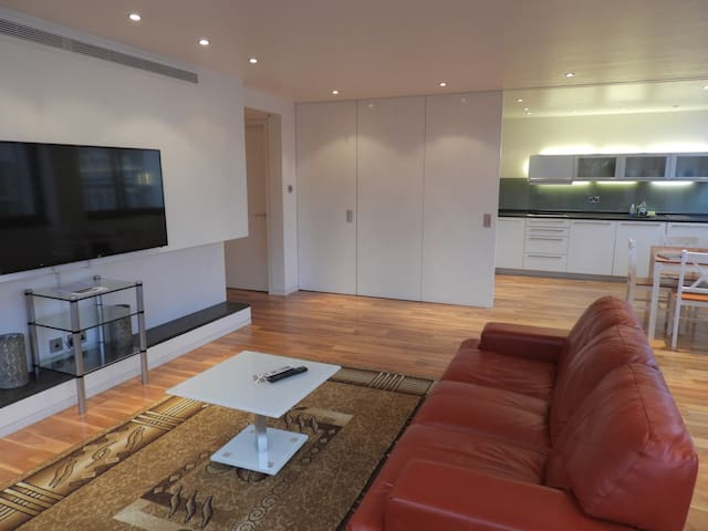Luxury 2 Bedroom , Oxford St , May Fair , Gr8 view