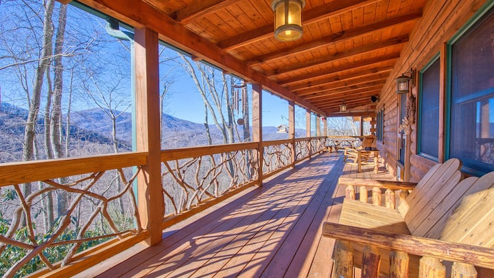 Bear Way to Heaven-Hot-Tub on deck with TV & Grill