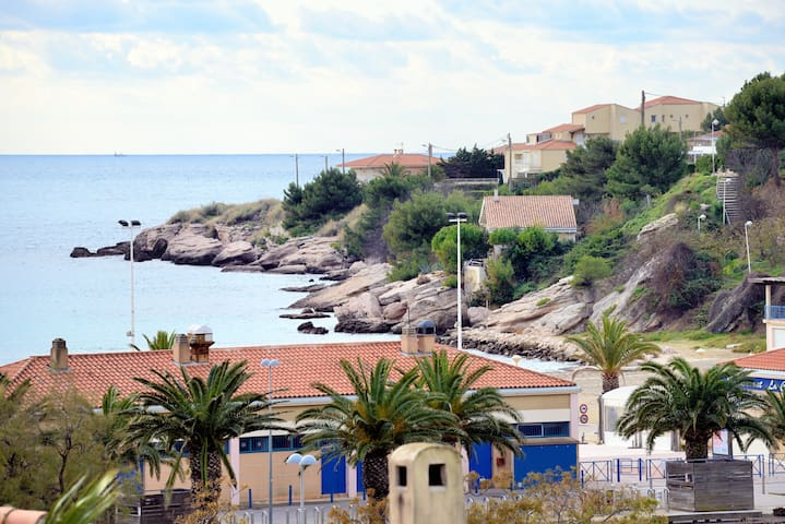 House Blue Coast, sea view , 100m from the beach