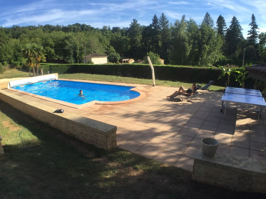 Heated Outdoor Pool / Piscine Chauffee