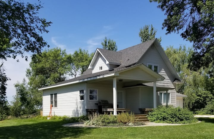 Country Cottage just 20 Minutes to Anywhere