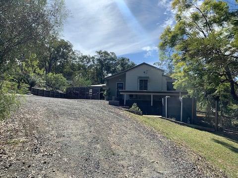 Old Creek Cottage Retreat