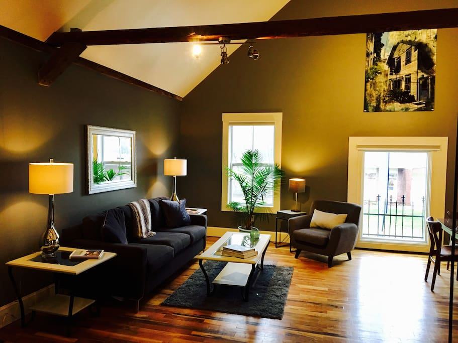 Tap house loft lofts for rent in bridgton maine united for The brook kitchen and tap