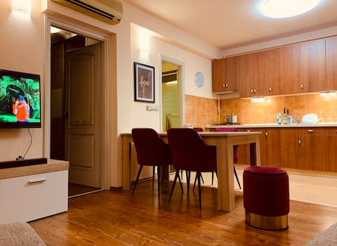2 Bedrooms Apartment with American Kitchen Style
