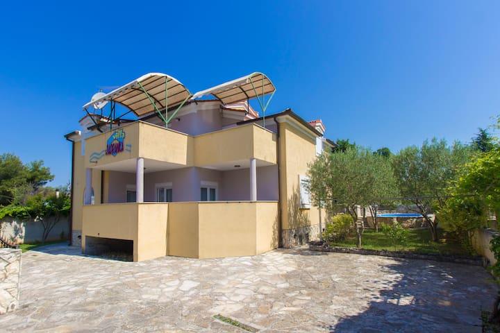 Apartman za 4 osobe - Vila Jadranka 1