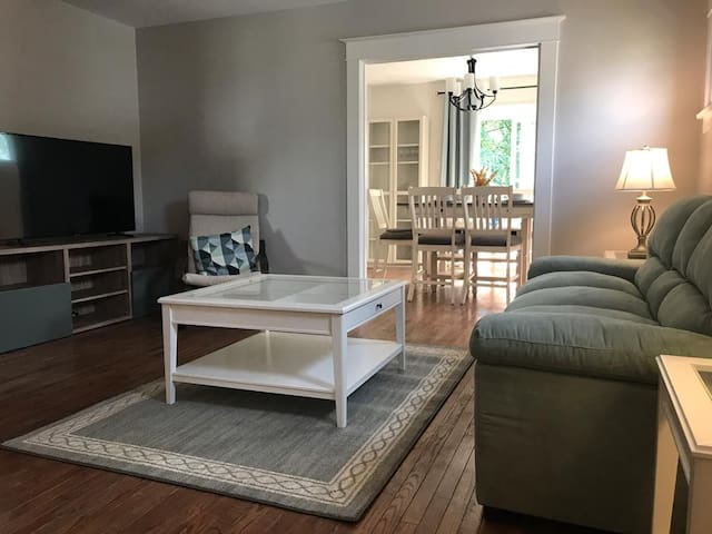 Max n Relax in heart of Niagara ( 1 bedroom )