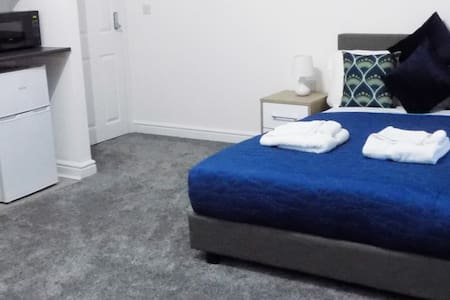 Flat 6, 'home from home' studio apartment