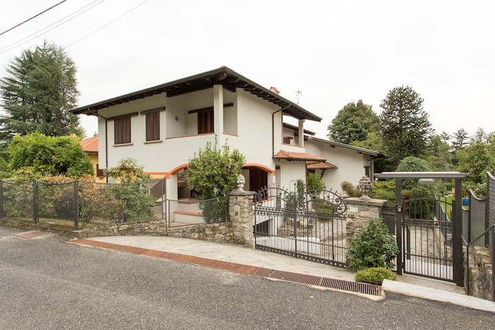 3 bedroom traditional villa, Meina - Baveno - Villa