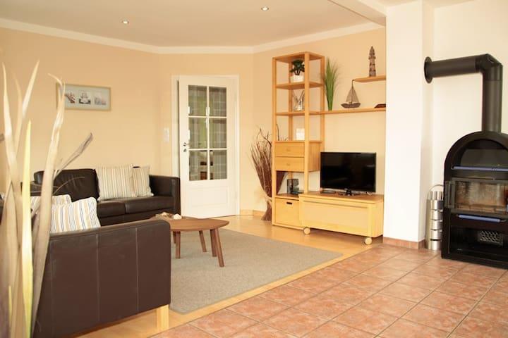 haus baalmann wohnung 4 ferienunterk nfte zur miete in borkum niedersachsen deutschland. Black Bedroom Furniture Sets. Home Design Ideas