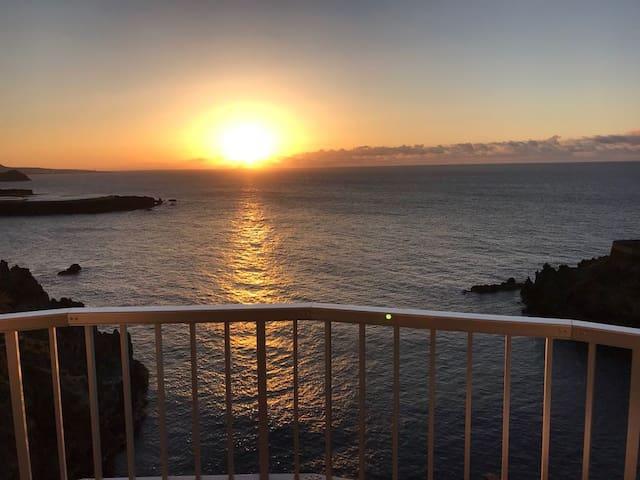 Espectaculares vistas y atardeceres sobre el mar