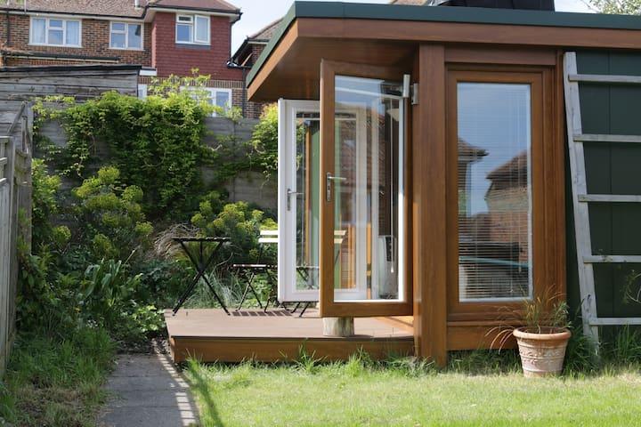 The cabin in the garden