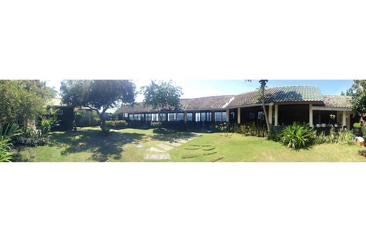 Villa RH - Beautiful Waterfront Beach House