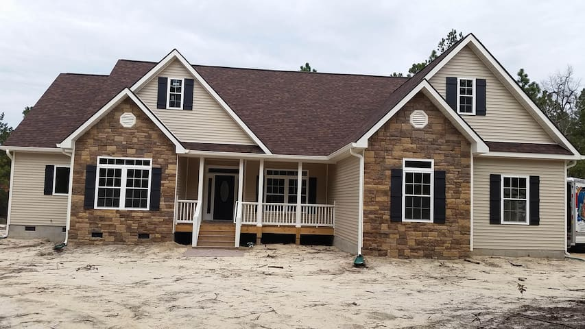 Newly Constructed FamilyHome - Graniteville - Dom