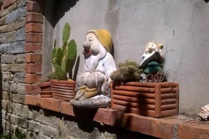 2 little garden
