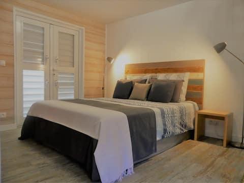 Lodge climatisé avec piscine proche de Deshaies