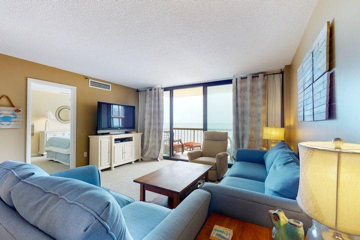 Sea Colony Ocean 8th floor condo w/ pool, balcony, and elevator