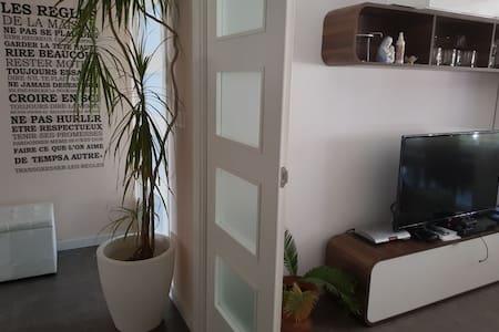 Dormitorio en gran piso