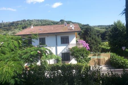 Villa Linda CASA DI CAMPAGNA CON PISCINA GIARDINO - Stiava - Villa