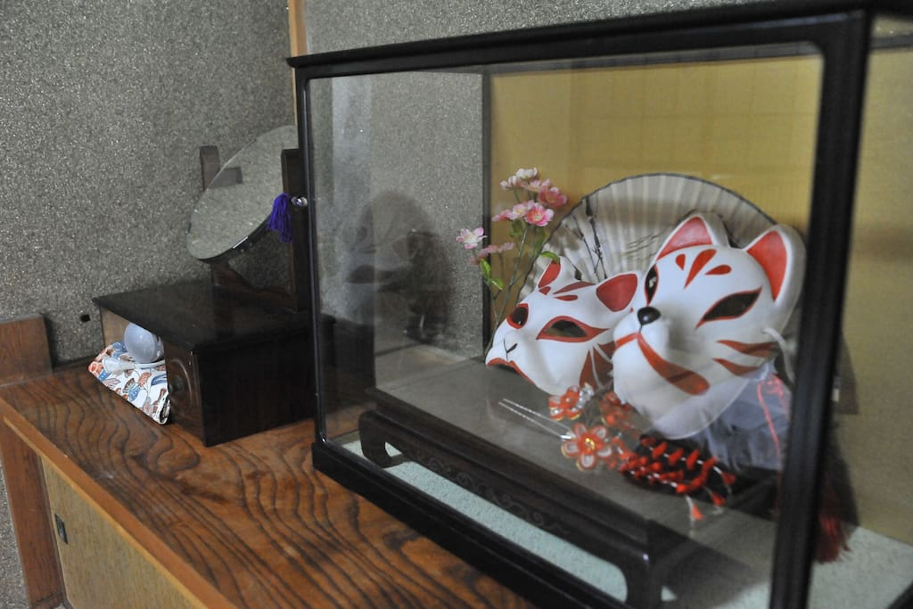 Decorations in the Japanese style room.