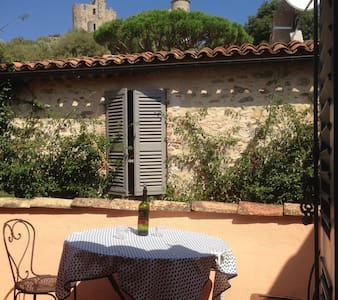 Beautiful house in centre of Grimaud village - Grimaud