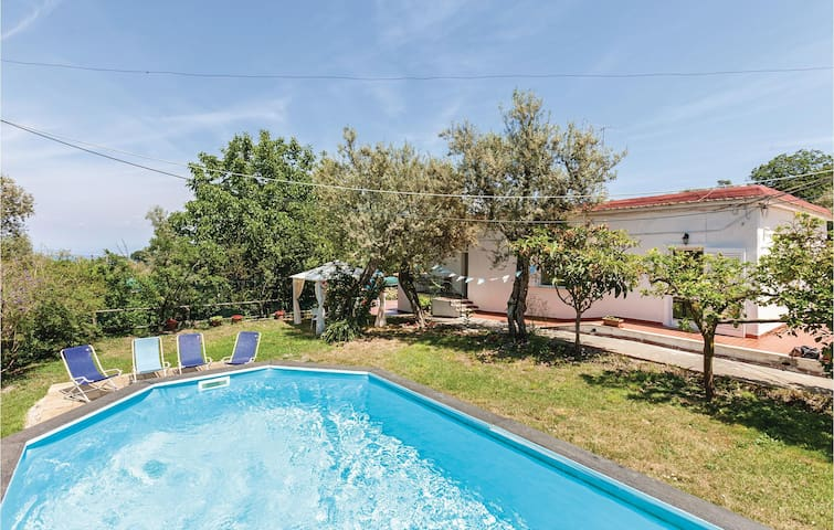 Holiday cottage with 3 bedrooms on 160m² in Sorrento Priora NA