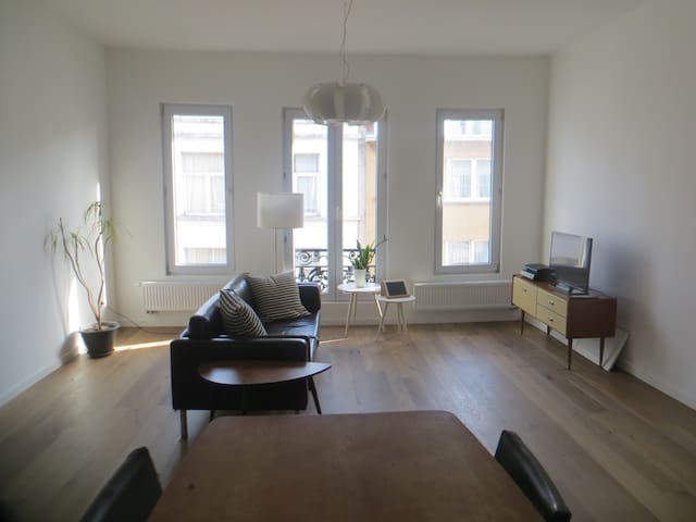 Charming and bright apartment in City Centre! - Antwerpen - Lägenhet